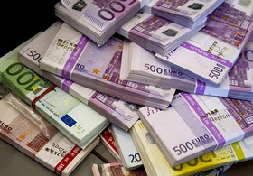 Euro to Replace Dollar in Iran's Foreign Trade Base Currency