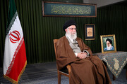 Leader: Iran's economy should not be tied to foreign developments